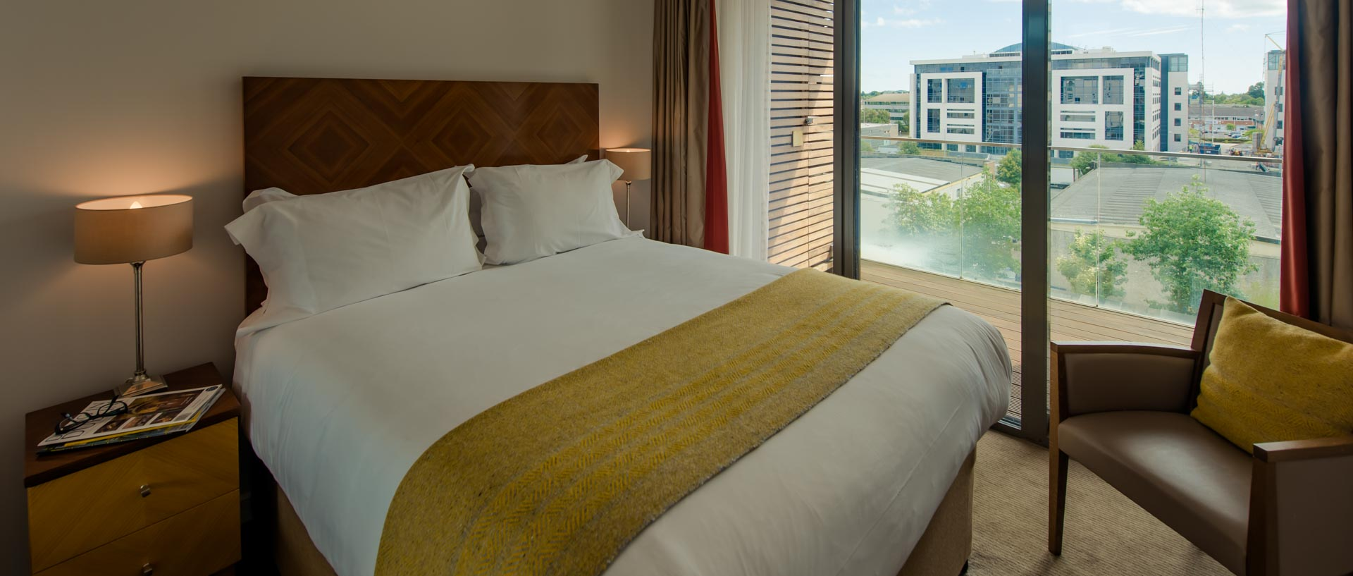 PREMIER_SUITES_Dublin Sandyford double bed and view