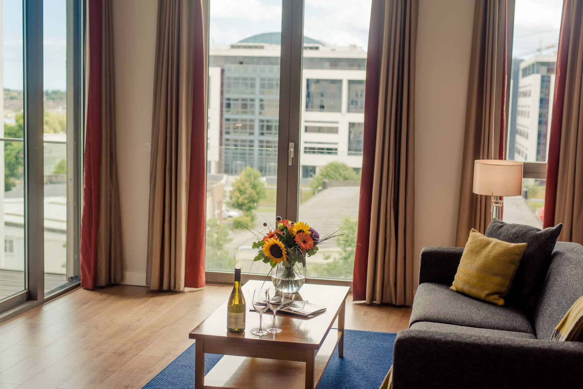 PREMIER SUITES Dublin Sandyford living room view