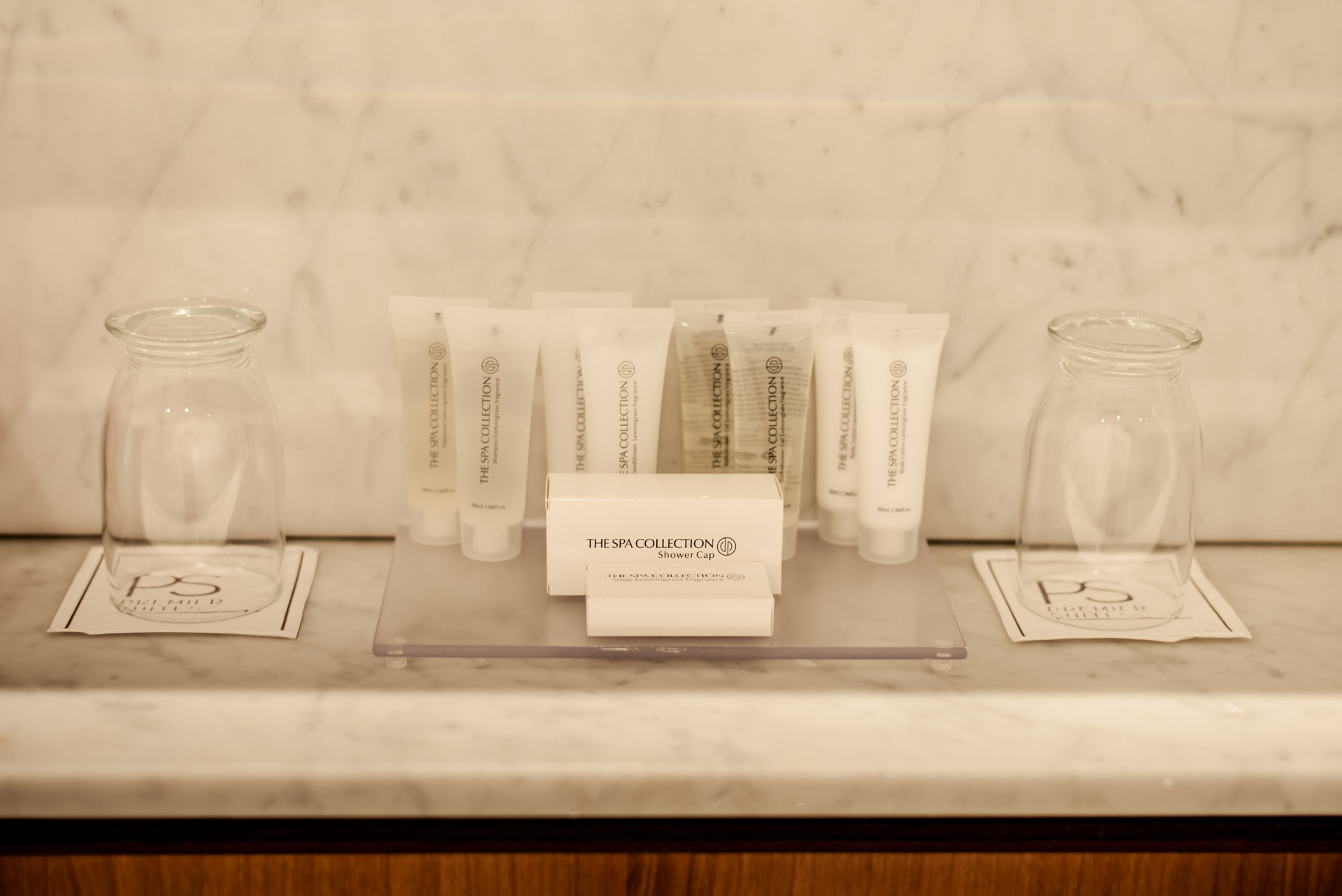 PREMIER SUITES Dublin Sandyford toiletries all